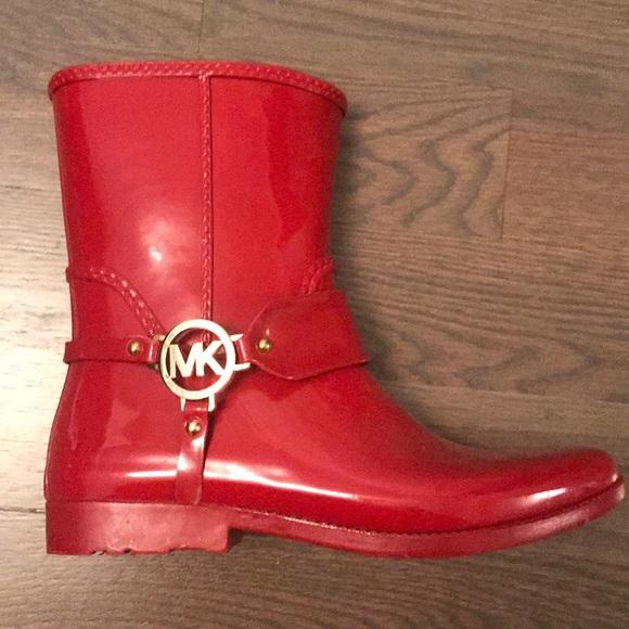 Michael Kors Womens Red Rubber Mid Rain